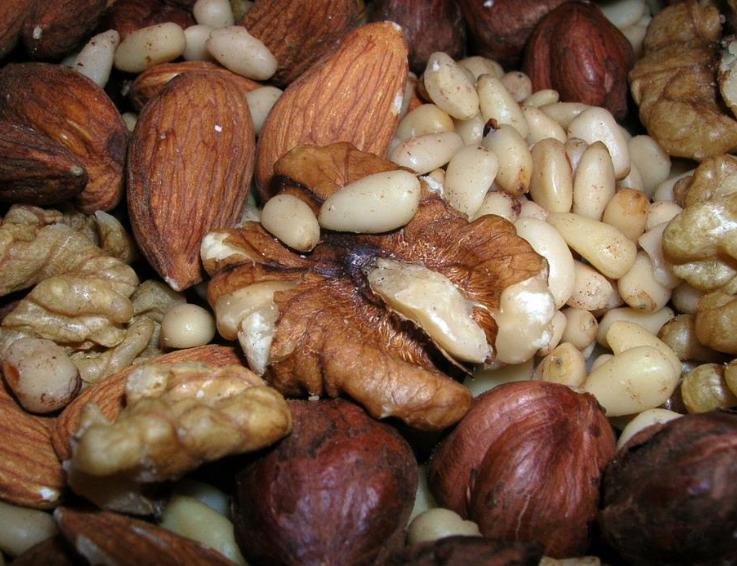 потолстеть от орехов